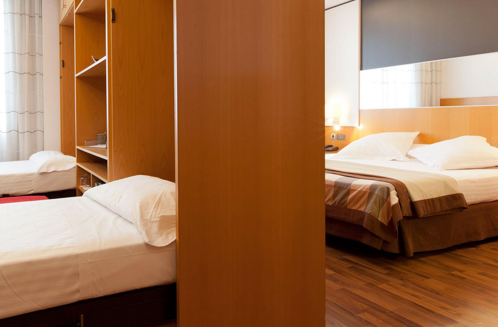 Family rooms hotel sb icaria barcelona official for Hotel barcelona habitacion familiar